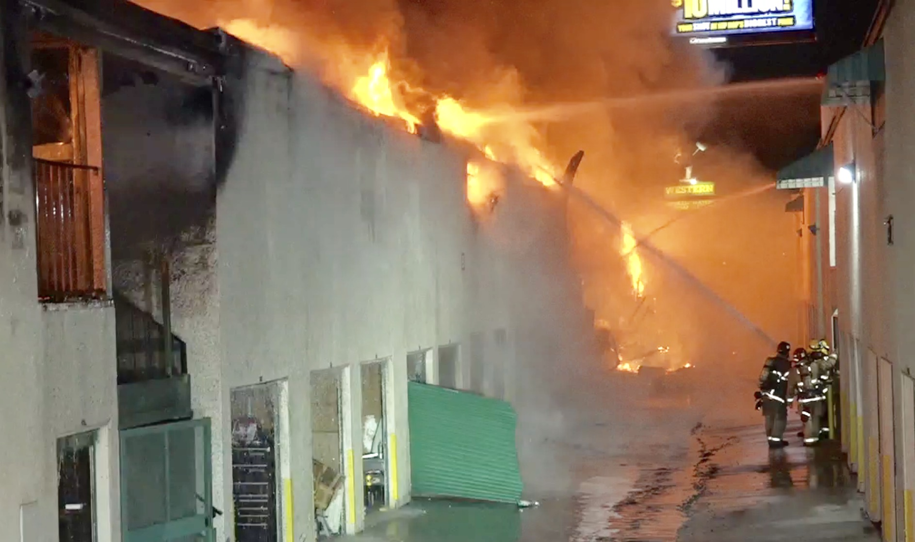 Long Beach Fire Department Battle 3rd Alarm Structure Fire At Extra Space  Storage